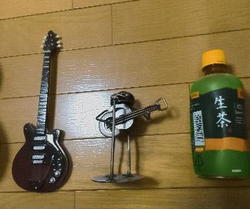 2◆ギター2本とお茶【高野】.jpg